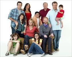 modern family cast reach deals with fox drop lawsuit