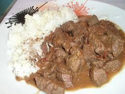 cuisiner le chevreuil sans marinade civet de cerf au vin blanc recette de civet de cerf au vin blanc