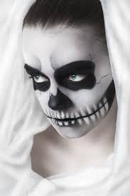 halloween makeup ideas how to do a yet scary look