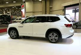 volkswagen atlas interior sunroof new 2018 volkswagen atlas priced from 31 50k
