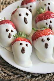 White Chocolate Covered Strawberries Delivery Made It Ate It Loved It White Chocolate Strawberry Ghosts