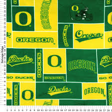 amazon com college university of oregon ducks print fleece fabric