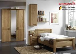 schlafzimmer komplett massivholz mer enn 25 bra ideer om schlafzimmer komplett massivholz på