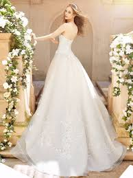 everything wedding wedding dress trains guide style length types for bridal gowns