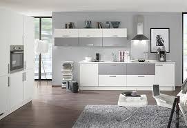 weiße küche wandfarbe küchen küchenfronten in grau hellgrau
