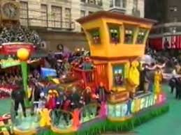 sesame float macy s thanksgiving day parade 2006