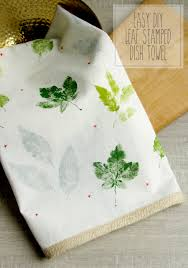 kitchen towel craft ideas easy diy leaf sted dish towel towels craft and crafty