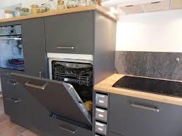 cuisine lave vaisselle en hauteur formidable cuisines blanches et grises 1 lave vaisselle en