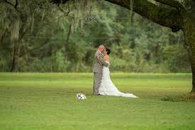 a casual outdoor wedding with a country twist in brooksville fl