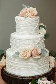 wedding cakes ideas how to use pretty petals throughout your wedding wedding
