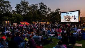 Botanic Gardens Open Air Cinema 341237 Outdoor Cinema At The Royal Botanic Gardens Jpg 650