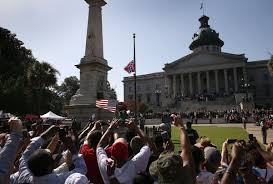 S Carolina State Flag South Carolina Removes The Confederate Flag From The Capitol Grounds