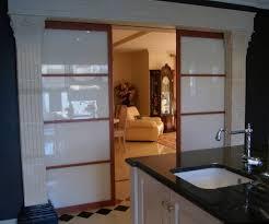 porte coulissante separation cuisine portes de séparation de pièce en verre laqué blanc vente de