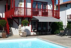 chambres d hotes pyrenees atlantiques 64 chambre d hôtes à la bastide clairence pyrénées atlantiques maxana