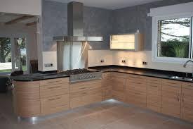 cuisine noir laqué plan de travail bois cuisine noir et plan de travail bois