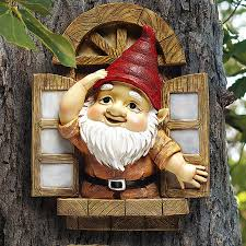 design toscano knothole gnomes window gnome garden welcome tree