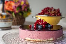 raspberry mousse cake with summer berries art de fête