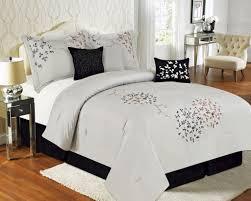 Silver Queen Bed King Comforter On Queen Bed Silver King Comforter On Queen Bed