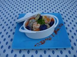 comment cuisiner la saumonette recette blanquette de saumonette et légumes au piment d