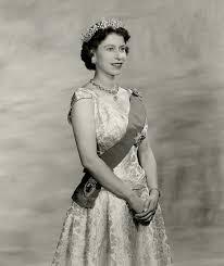 Queen Elizabeth 2 Queen Elizabeth Ii Wearing Queen Mary Girls Of Great Britain