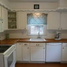 Kitchen Cabinet Valances Contemporary Kitchen Design With White Kitchen Cabinet Wood