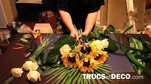exemple de nom de table pour mariage comment réaliser une gerbe de fleurs ou une composition florale