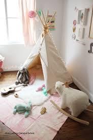tipi pour chambre with des coins lecture avec un tipi pour le bonheur de vos enfants
