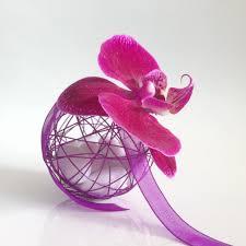 drag es mariage mariage boule métallique violette avec orchidée