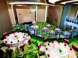 indoor garden wedding theme with wine and dine style