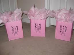 bridal shower gift bags diy transfering a picture to a gift bag weddingbee