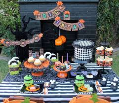 Halloween Cake Stands How To Throw A Toddler Halloween Party Catch My Party