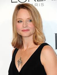 jodie foster medium straight cut jodie foster looks stylebistro