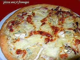 cuisiner une pizza recette de pizza aux 4 fromages par melayers