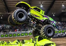 monster trucks videos crashes truck crash children youtube truck www monster trucks videos crash