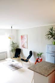 lauren u0026 mikko u0027s colorful mix apartment therapy