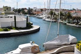 apartment with garage empuriabrava nice apartment for rent with garage and private mooring
