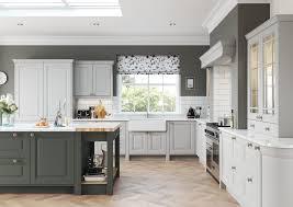 Grey Kitchen Walls With Oak Cabinets Kitchen Cabinet Kitchen Cabinet Colors Kitchen Paint Grey Glazed