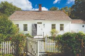 a cozy cape cod in new england old house online 2 ext facade h
