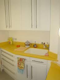 cuisine jaune et blanche davaus cuisine blanche et jaune avec des idées
