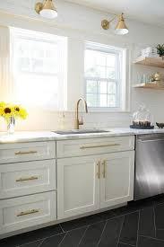 White Cabinet Kitchen Design Best 25 Calcutta Marble Kitchen Ideas On Pinterest Marble