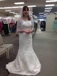 where to buy oleg cassini wedding dresses oleg cassini cwg638 size 2 wedding dress oncewed com