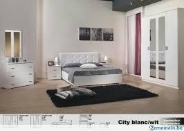 chambre a coucher blanc laqu chambre à coucher city en laqué blanc ou noir blanc a vendre