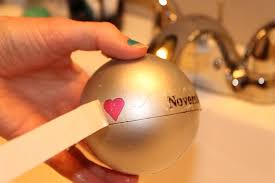 christmas ornament favors diy tutorial how to make your own diy christmas ornament wedding