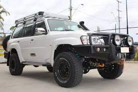white nissan nissan patrol y61 wagon white 74156 superior customer vehicles
