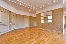 what are the differences hardwood flooring vs laminate flooring