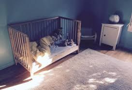 chambre bébé montessori montessori à la maison