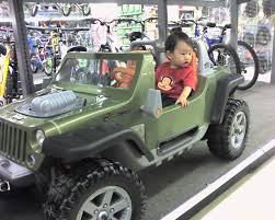 toy jeep car shopping for fuel efficient cars at toys u0027r us kam family blog