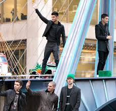 the wanted and jepsen perform at macy s thanksgiving