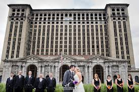 wedding photographers in michigan and jon s wedding at mocad in detroit michigan dziekonski