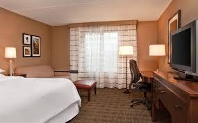 deluxe guest room sheraton burlington hotel u0026 conference center